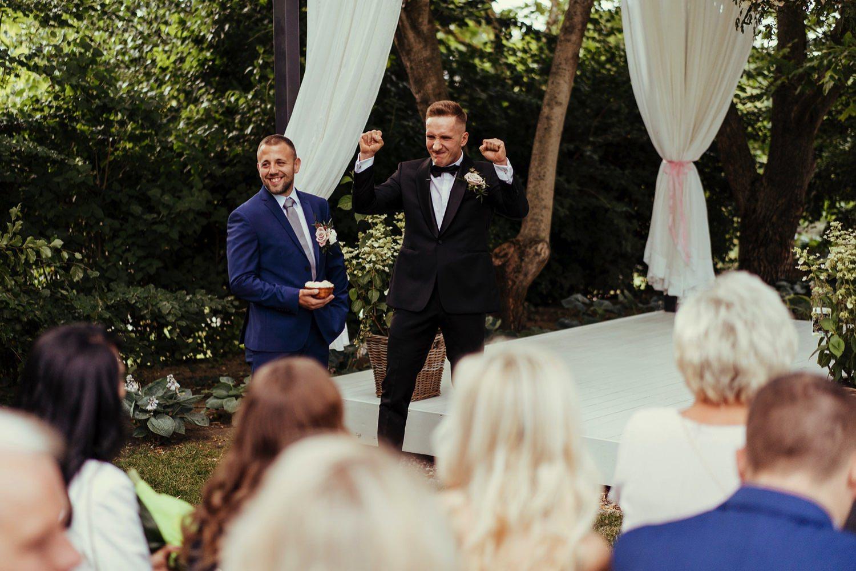 Ślub w plenerze w Białej Wstążce w Czepinie 27