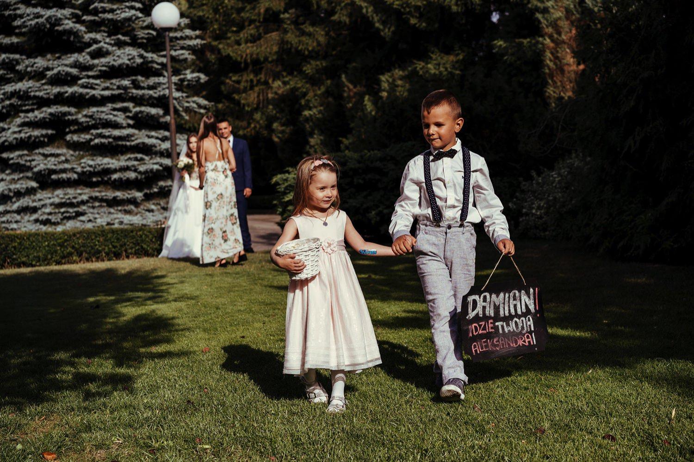 Ślub w plenerze w Białej Wstążce w Czepinie 32