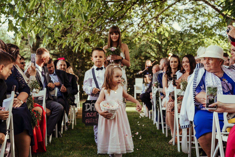Ślub w plenerze w Białej Wstążce w Czepinie 33