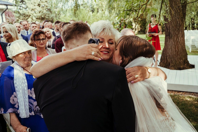Ślub w plenerze w Białej Wstążce w Czepinie 40