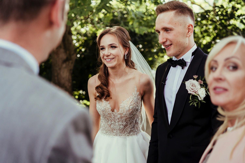 Ślub w plenerze w Białej Wstążce w Czepinie 41