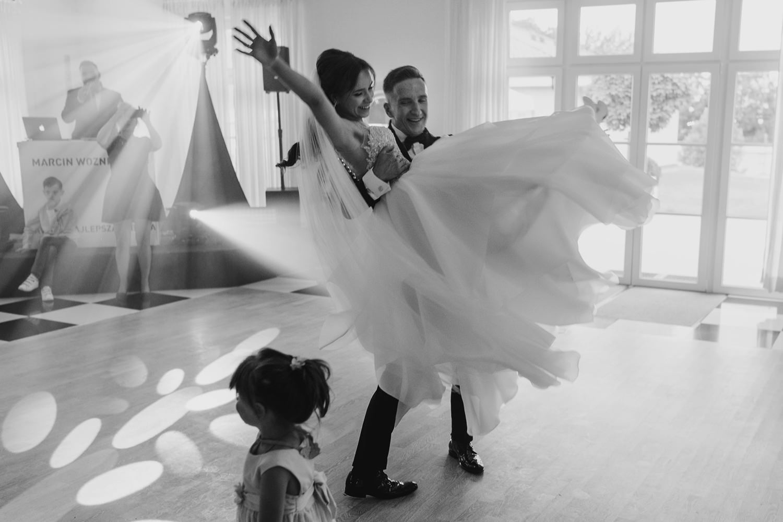 Ślub w plenerze w Białej Wstążce w Czepinie 50