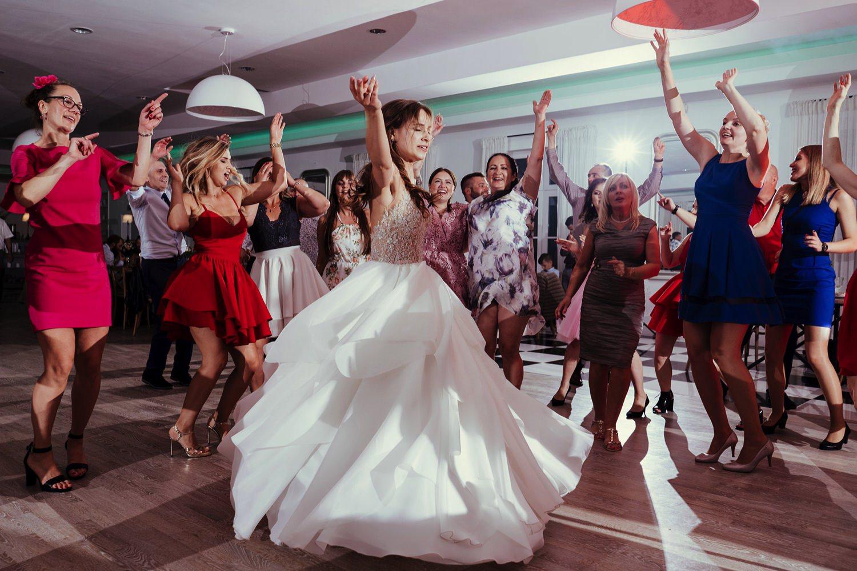 Ślub w plenerze w Białej Wstążce w Czepinie 61