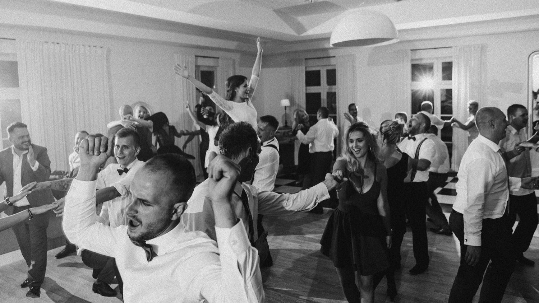 Ślub w plenerze w Białej Wstążce w Czepinie 66