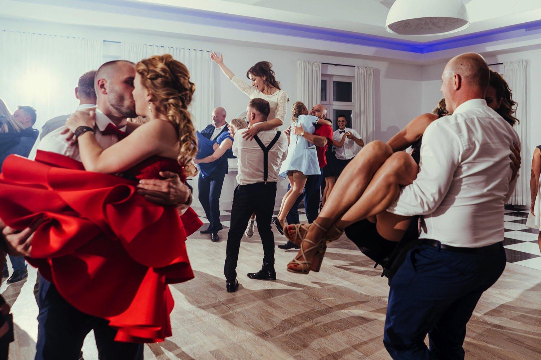 Ślub w plenerze w Białej Wstążce w Czepinie 67