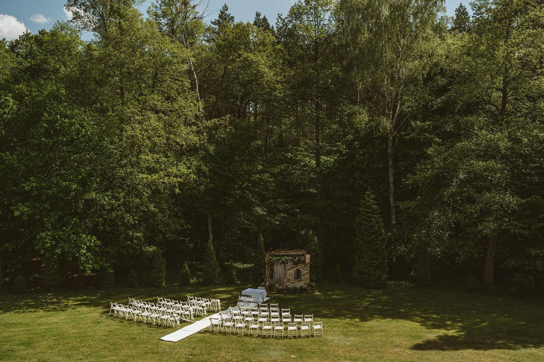 Ślub w plenerze przy lesie Martyna i Olek 1