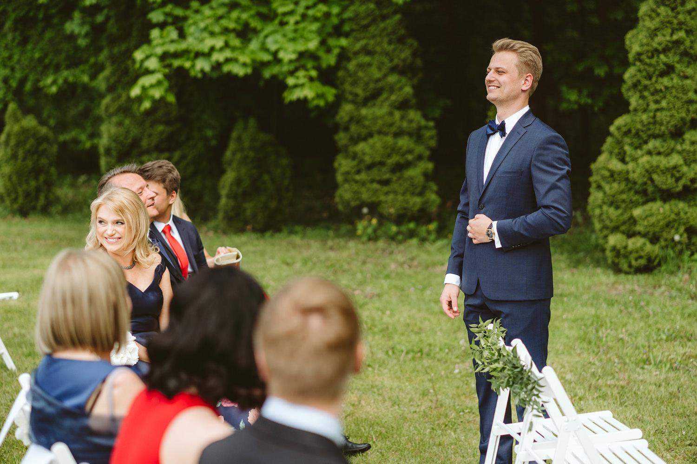 Ślub w plenerze przy lesie Martyna i Olek 19