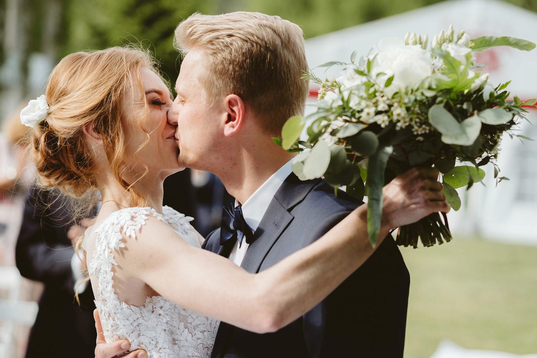 Ślub w plenerze przy lesie Martyna i Olek 24