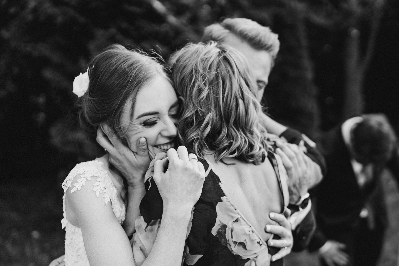 Ślub w plenerze przy lesie Martyna i Olek 32