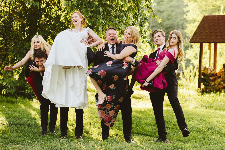 Ślub w plenerze przy lesie Martyna i Olek 46