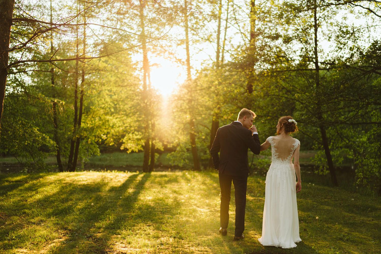 Ślub w plenerze przy lesie Martyna i Olek 45